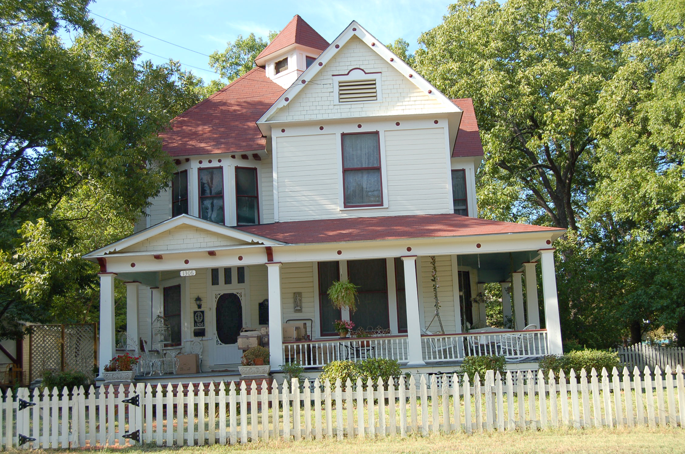 Home in the Carriage Historical District in Corsicana, TX